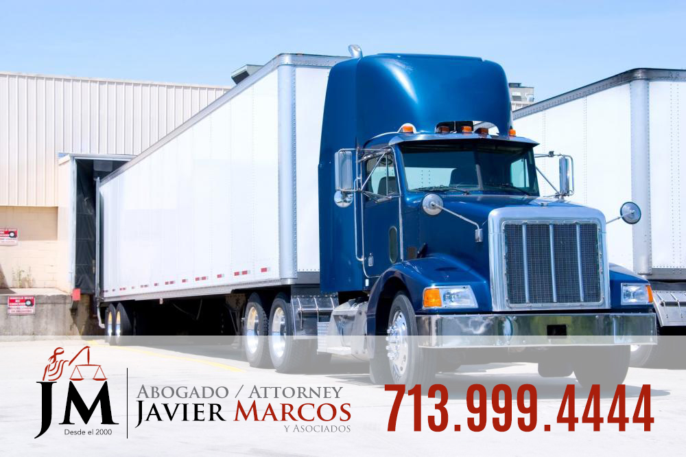 Accidente de trailer 18 ruedas | Abogado Javier Marcos 713.999.4444