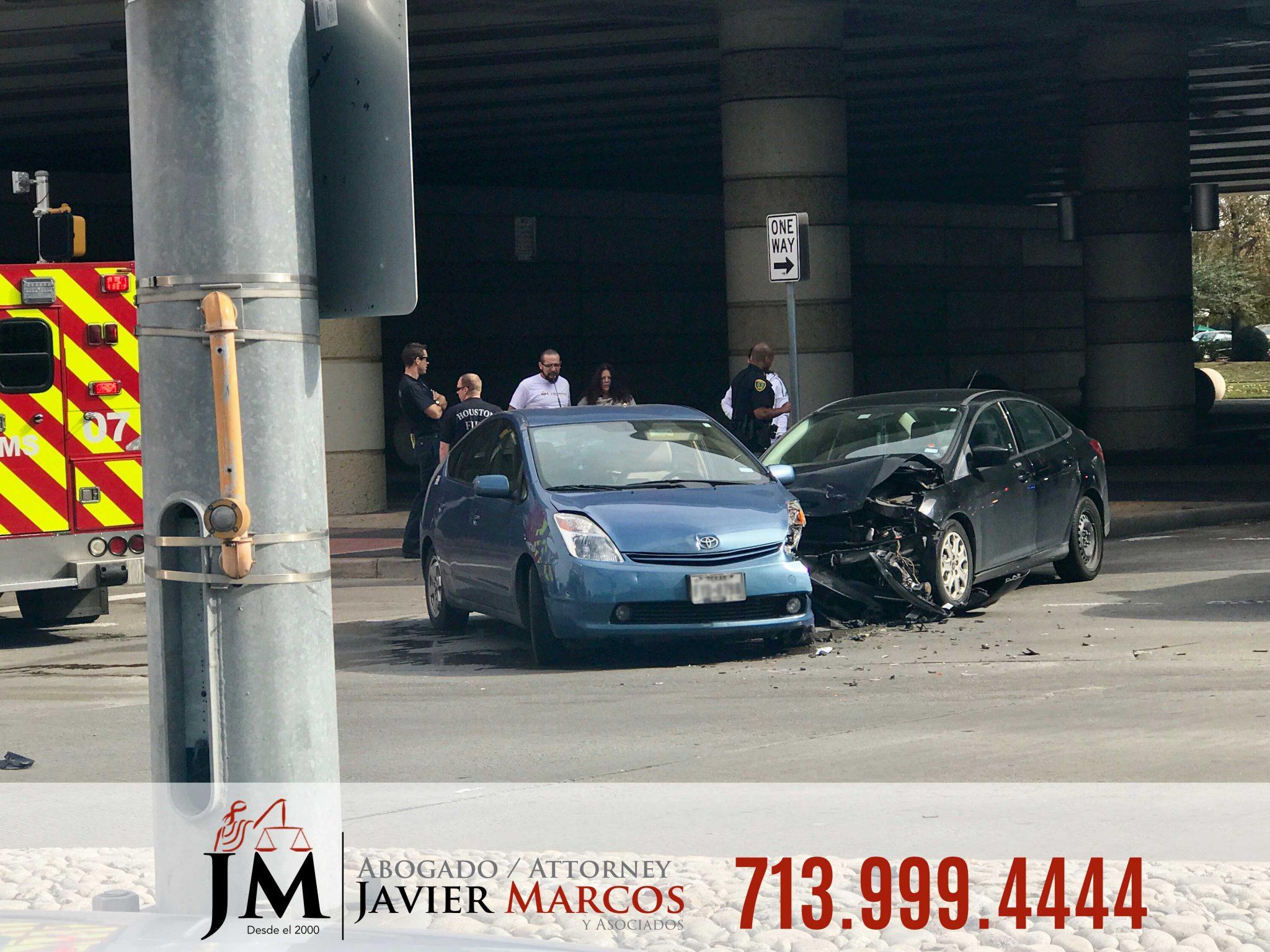 Abogado de Accidentes automovilisticos   Abogado Javier Marcos   713.999.4444