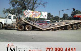 Compensacion de accidente de camion | Abogado Javier Marcos | 713.999.4444