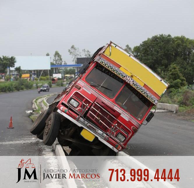 Abogado de accidentes de camiones   Abogado Javier Marcos   713.999.4444