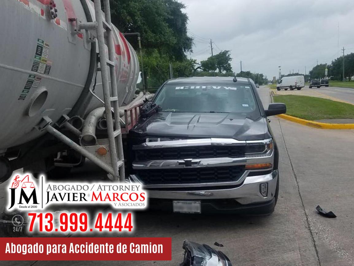 Abogado de accidente de camion | Abogado Javier Marcos | 713.999.4444