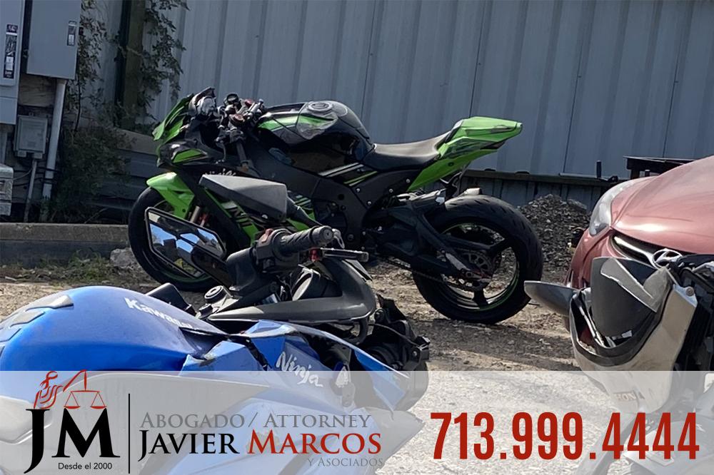 Conducir distraido causa Accidentes de Motocicleta | Abogado Javier Marcos | 713.999.4444